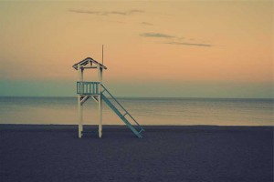 Photo of lifeguard stand courtesy of www.gratisography.com